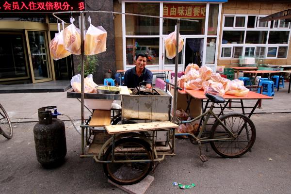 vendedor-bici-carro-1